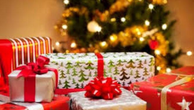 """Regali di Natale, budget più """"ristretti"""" al Sud"""