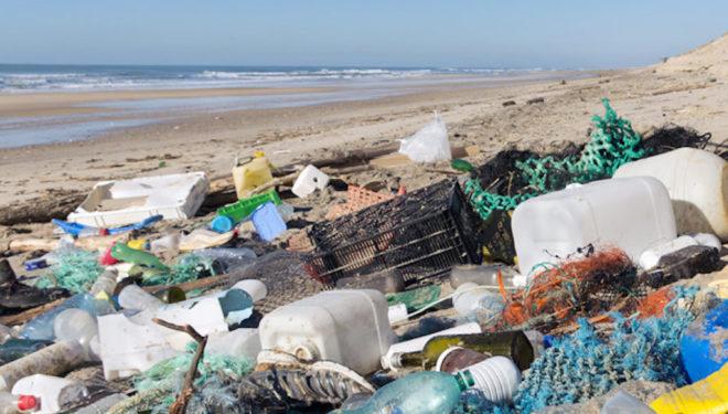 Plastica, a Nairobi fuga dalle responsabilità