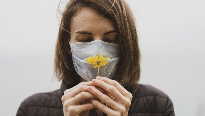 """""""GreenFace"""": la mascherina biodegradabile pronta per essere piantata dopo l'uso"""