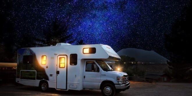 vivere o trascorrere le vacanze in un camper